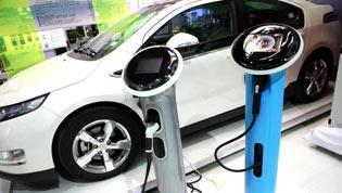 """新能源汽车产业如何实现""""变道超车""""?"""