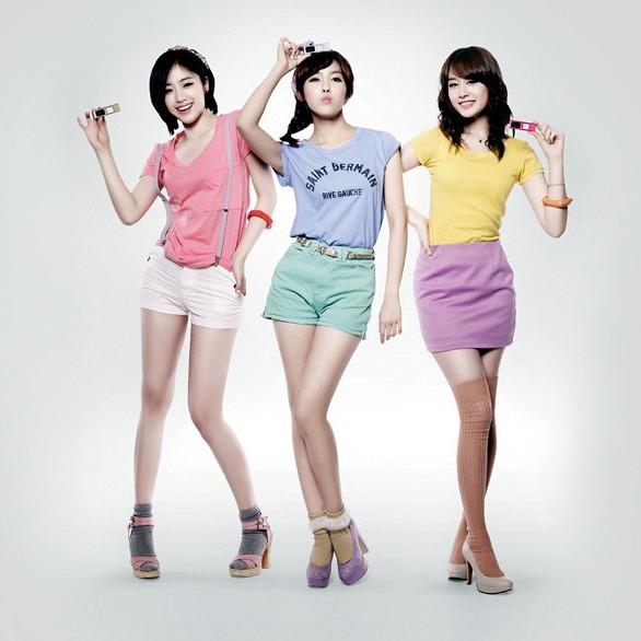 韩国女子团体秀美腿