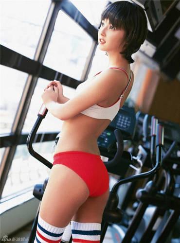 日本最美女星佐佐木希运动写真