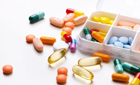 """两会小问答:中国抗癌进口药最贵 怎么""""治"""""""