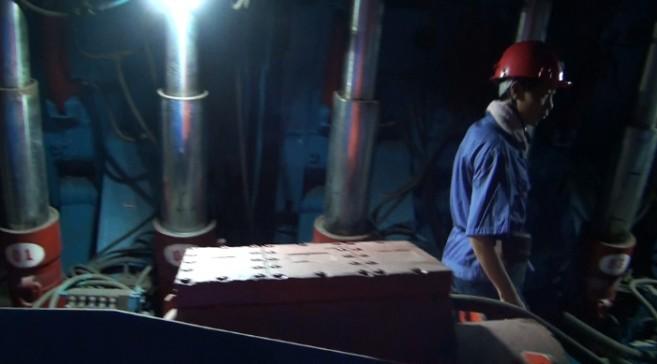 """【中国梦·大国工匠】王丰伟:战斗在煤矿的地下""""大拿"""""""