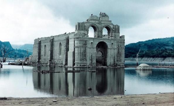 墨西哥:古教堂遗址因干旱浮出水面