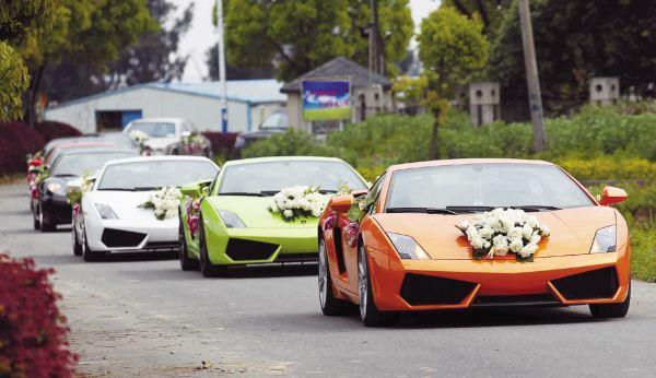 超豪华婚车队被查 6辆是黑车