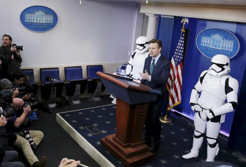 《星球大战》角色亮相白宫发布会