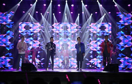 圣诞HIGH不停——《名嘴K歌秀》校园巡演持续开唱
