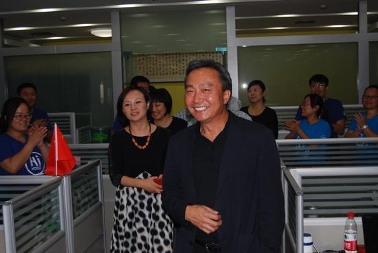 河南电视台台长王少春到国际频道调研