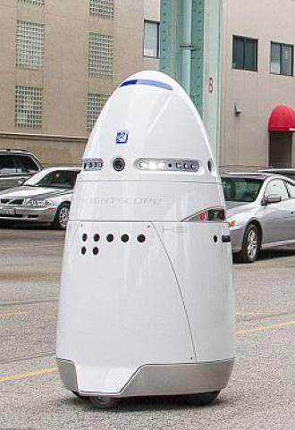 硅谷现机器人警察巡逻 称可减少一半犯罪率