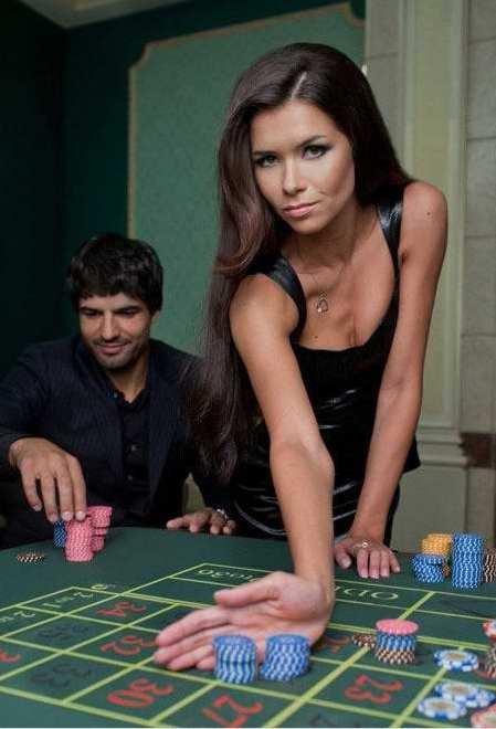 揭境外顶级赌场的陪赌女郎