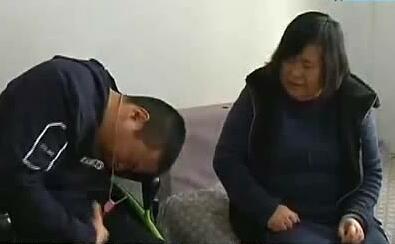 照顾脑瘫孩子22年 坚强母亲找工作